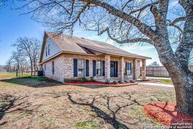 107 Sharon Dr, Boerne, TX 78006 (MLS #1512535) :: Keller Williams City View
