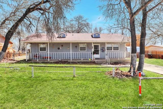 4106 Waterwood Pass Dr, Elmendorf, TX 78112 (MLS #1513336) :: Carter Fine Homes - Keller Williams Heritage