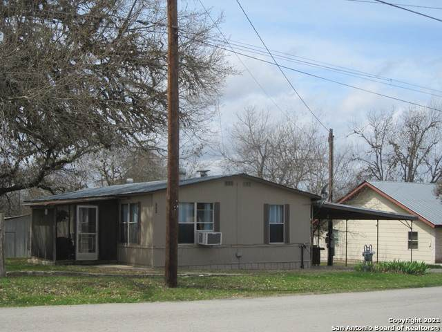 711 13th St, Bandera, TX 78003 (MLS #1513940) :: The Glover Homes & Land Group