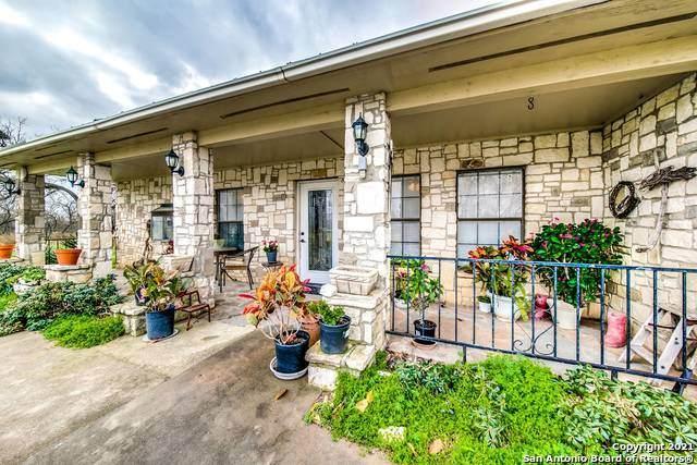 286 Oriente Dr, Pleasanton, TX 78064 (MLS #1514272) :: The Mullen Group | RE/MAX Access