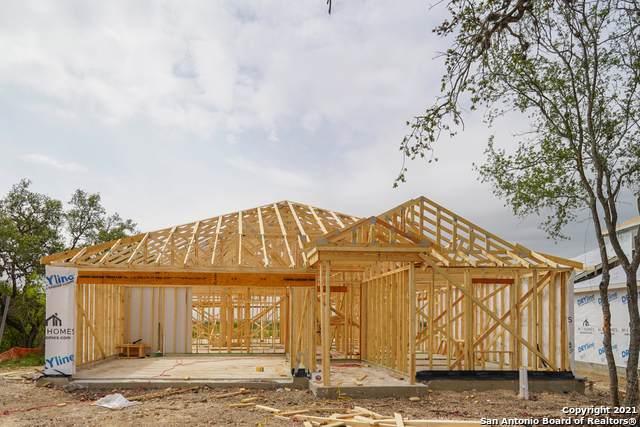 1125 Eagle Crossing, Seguin, TX 78155 (MLS #1514321) :: The Gradiz Group