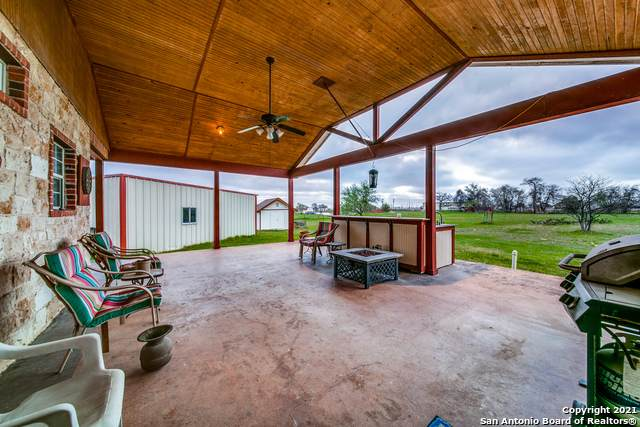 107 Ranch Country Dr, La Vernia, TX 78121 (MLS #1514758) :: Alexis Weigand Real Estate Group