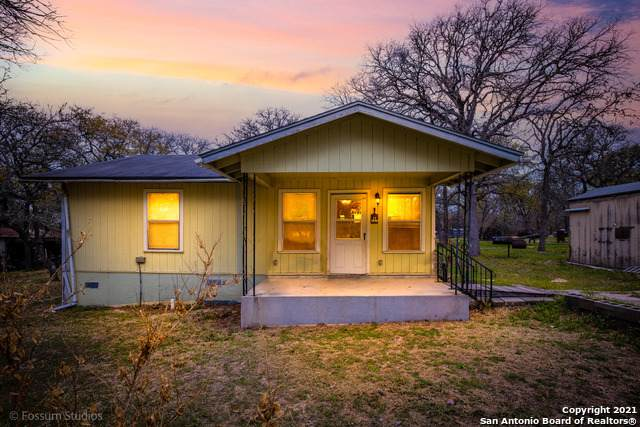440 Blackjack Oak Rd, Seguin, TX 78155 (MLS #1516646) :: Keller Williams Heritage