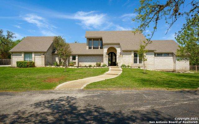 8549 Raintree Woods Dr, Fair Oaks Ranch, TX 78015 (MLS #1517649) :: Keller Williams City View