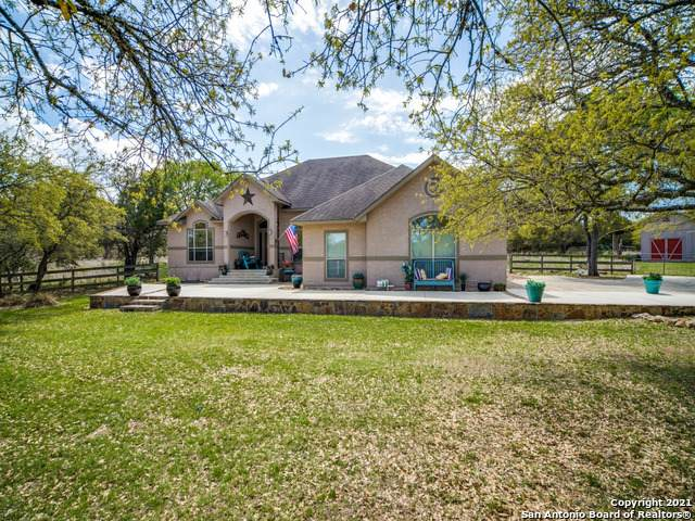 8005 Rolling Acres Trail, Boerne, TX 78015 (MLS #1517665) :: Vivid Realty