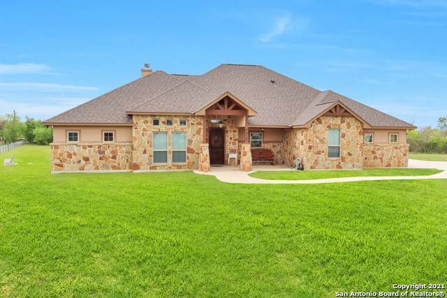 512 Wagon Train Rd, La Vernia, TX 78121 (MLS #1518963) :: Real Estate by Design