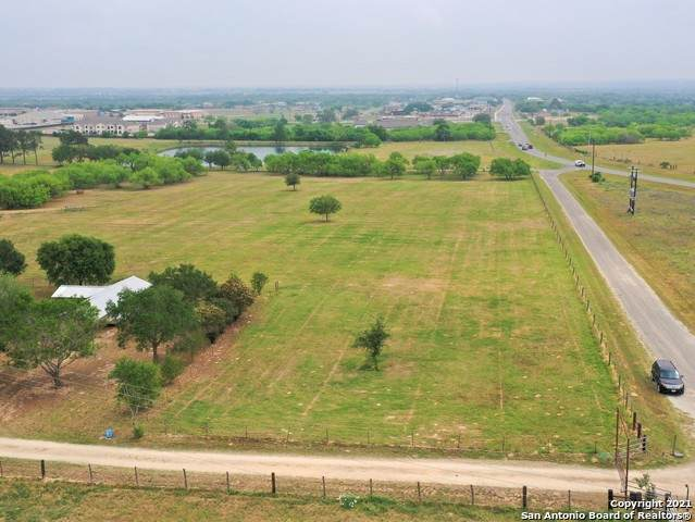 10 Acres County Rd 344, La Vernia, TX 78121 (MLS #1519122) :: The Lugo Group