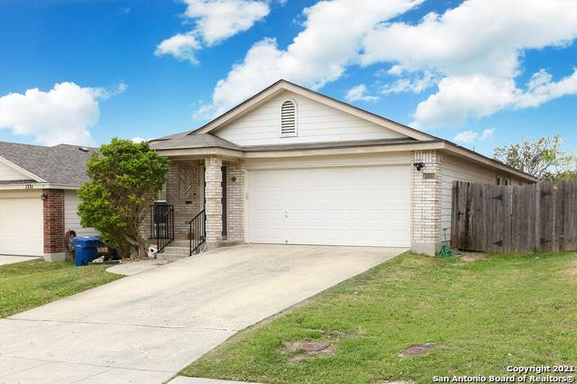 1335 Diamond Bluff, San Antonio, TX 78251 (MLS #1519283) :: The Real Estate Jesus Team