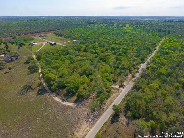 702 Old Colony Rd, Seguin, TX 78155 (MLS #1519567) :: Keller Williams Heritage