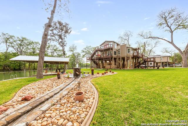 836 Lake Placid Dr, Seguin, TX 78155 (MLS #1520906) :: 2Halls Property Team | Berkshire Hathaway HomeServices PenFed Realty