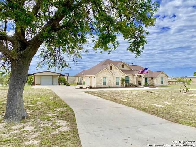 196 Triple Bend Dr, La Vernia, TX 78121 (MLS #1521199) :: 2Halls Property Team | Berkshire Hathaway HomeServices PenFed Realty