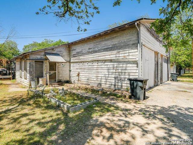 285 E Common St, New Braunfels, TX 78130 (MLS #1521933) :: Tom White Group