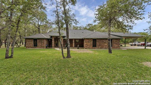 214 Encino Dr, Floresville, TX 78114 (MLS #1522048) :: The Gradiz Group