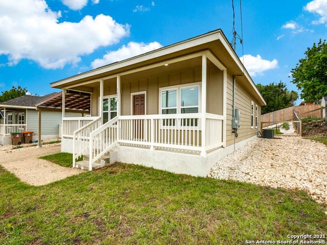 1272 Mountain View Dr, Canyon Lake, TX 78133 (MLS #1522149) :: The Mullen Group | RE/MAX Access