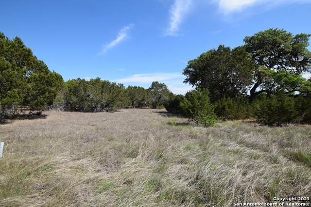 22 A Vaquero, Pipe Creek, TX 78063 (MLS #1522587) :: Tom White Group
