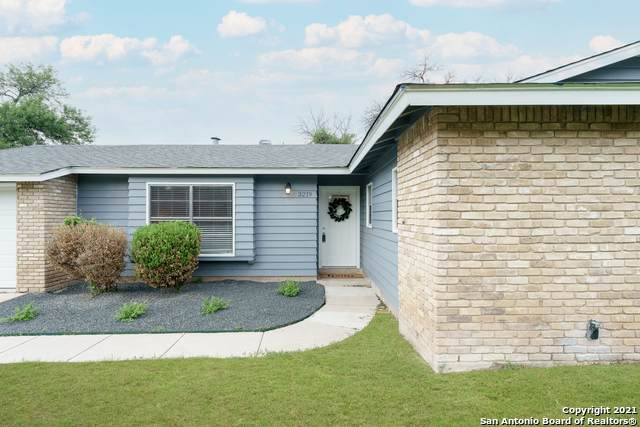 3219 Shady Springs Dr, San Antonio, TX 78230 (#1523819) :: The Perry Henderson Group at Berkshire Hathaway Texas Realty