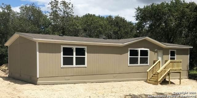 4011 Storm Oak Dr, Elmendorf, TX 78112 (MLS #1523846) :: The Lopez Group