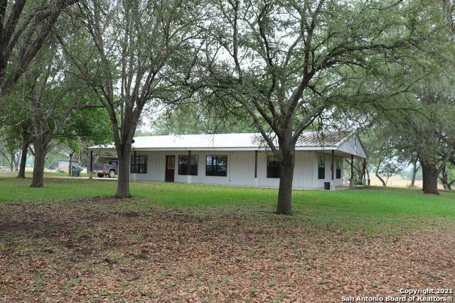 703 Odaniel School Rd, Seguin, TX 78115 (#1523897) :: The Perry Henderson Group at Berkshire Hathaway Texas Realty