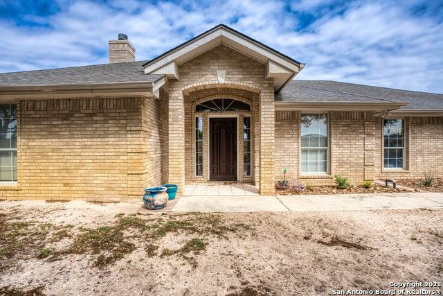 537 Lake Valley Dr, La Vernia, TX 78121 (MLS #1523971) :: The Glover Homes & Land Group
