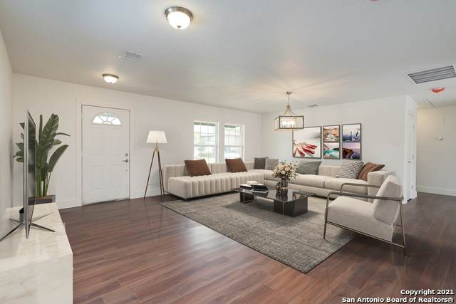 2730 W Mistletoe Ave, San Antonio, TX 78228 (MLS #1524020) :: 2Halls Property Team | Berkshire Hathaway HomeServices PenFed Realty
