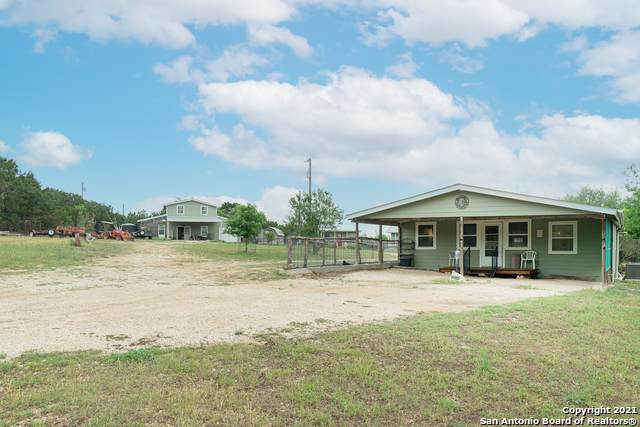 277 Old Orchard Ln, Bandera, TX 78003 (MLS #1524118) :: Neal & Neal Team