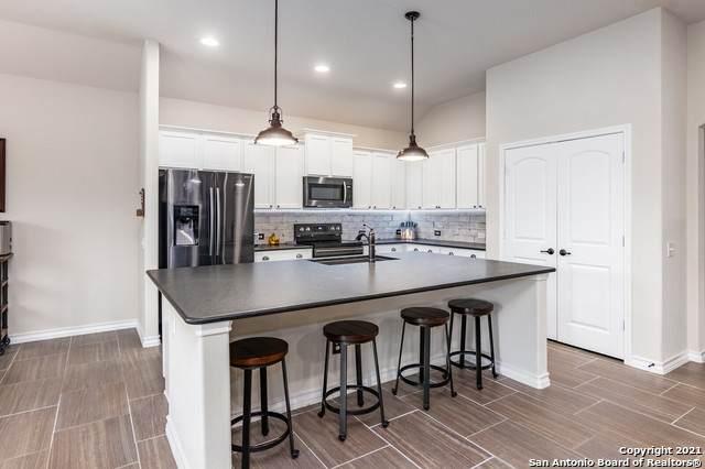 1006 7th Tee Vista, San Antonio, TX 78221 (MLS #1524152) :: BHGRE HomeCity San Antonio