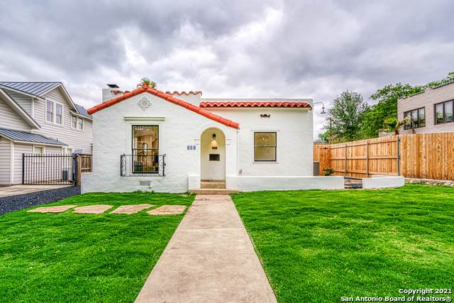 131 Cloverleaf Ave, Alamo Heights, TX 78209 (MLS #1524861) :: The Lugo Group
