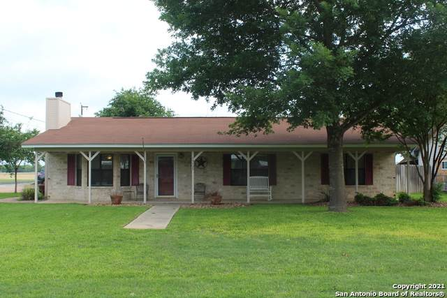 15735 Medina St, LaCoste, TX 78039 (MLS #1525545) :: The Mullen Group | RE/MAX Access