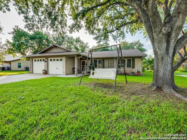 309 Nicolet Ave, Jourdanton, TX 78026 (MLS #1525919) :: Beth Ann Falcon Real Estate