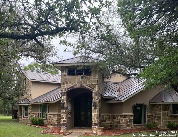 107 Sandy Oaks Dr, Boerne, TX 78015 (MLS #1526081) :: Carolina Garcia Real Estate Group