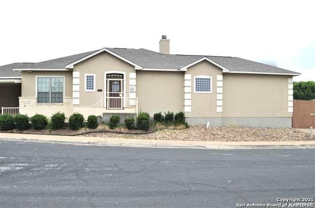 5911 Crescent Falls, Windcrest, TX 78239 (MLS #1526155) :: Concierge Realty of SA