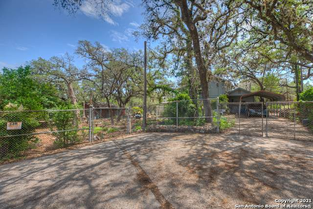 136 Chickadee, Canyon Lake, TX 78133 (MLS #1526599) :: 2Halls Property Team | Berkshire Hathaway HomeServices PenFed Realty