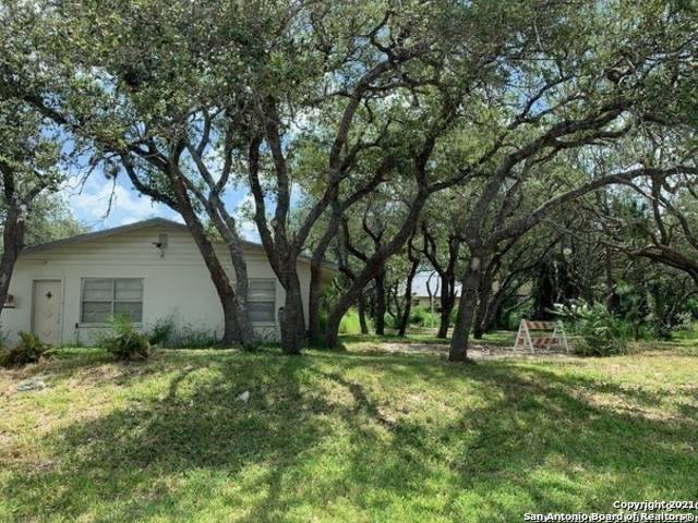 1016 Egret Ln, Rockport, TX 78382 (MLS #1526719) :: The Mullen Group | RE/MAX Access
