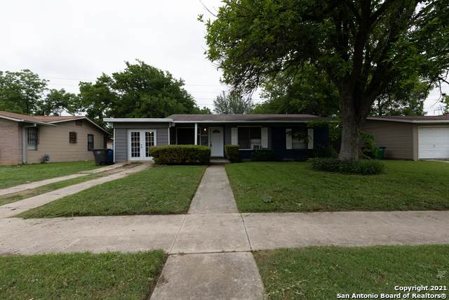 4627 Bernadine Dr, San Antonio, TX 78220 (MLS #1527139) :: 2Halls Property Team | Berkshire Hathaway HomeServices PenFed Realty