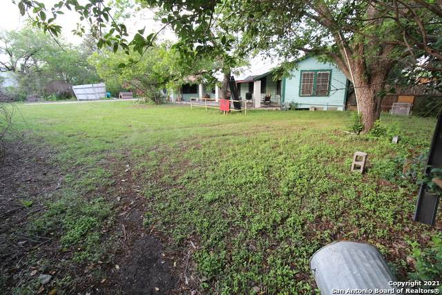 1310 Hillcrest Dr, San Antonio, TX 78228 (MLS #1527422) :: Bexar Team