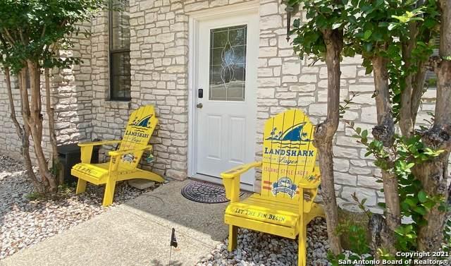 421 Watts Ln B4, Canyon Lake, TX 78133 (#1533587) :: The Perry Henderson Group at Berkshire Hathaway Texas Realty
