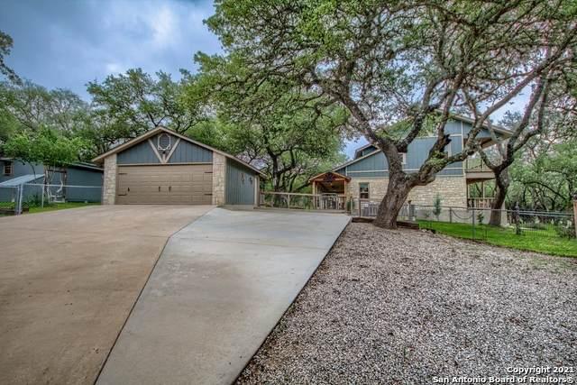 10055 Dos Cerros Loop E, Boerne, TX 78006 (MLS #1533619) :: Carolina Garcia Real Estate Group