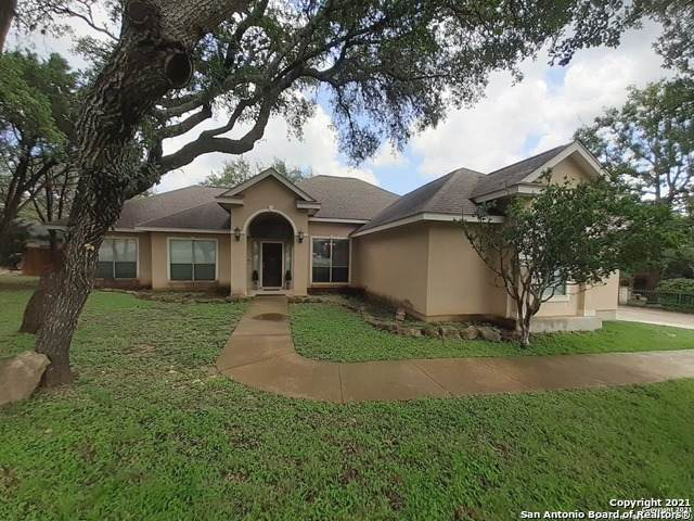 915 Silent Hollow, San Antonio, TX 78260 (MLS #1534612) :: The Glover Homes & Land Group