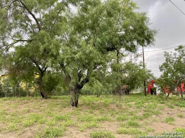418 N 22nd St, Carrizo Springs, TX 78834 (MLS #1534805) :: Exquisite Properties, LLC