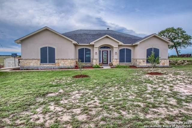 708 Lake Valley Dr, La Vernia, TX 78121 (MLS #1535305) :: The Castillo Group