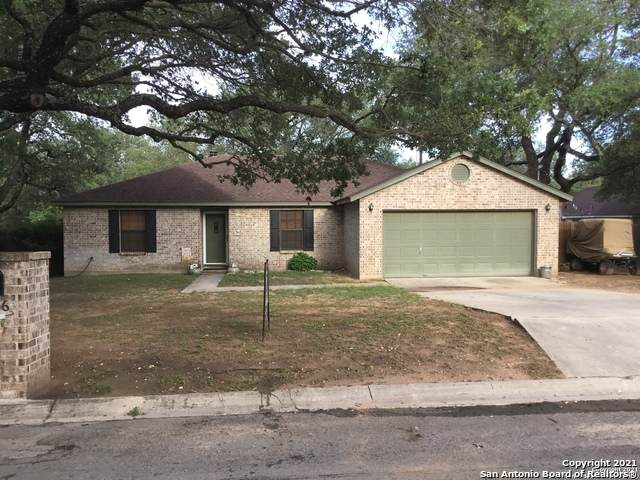 106 Howard Wallace, Devine, TX 78016 (MLS #1535842) :: The Glover Homes & Land Group