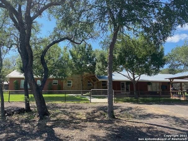 2177 Cr 251, Hondo, TX 78861 (MLS #1535897) :: Concierge Realty of SA
