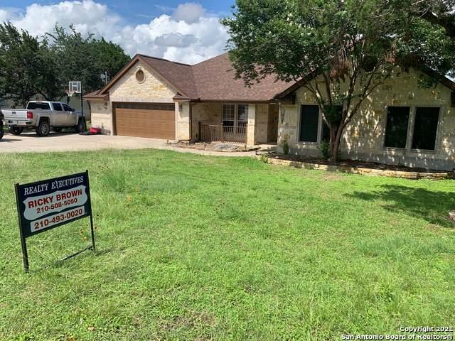 807 Misty Water Ln, San Antonio, TX 78260 (MLS #1536687) :: Beth Ann Falcon Real Estate