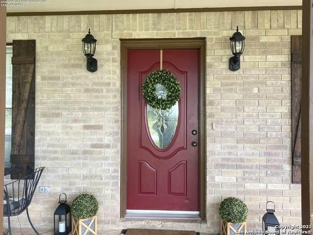 948 Leissner School Rd, Seguin, TX 78155 (MLS #1536838) :: 2Halls Property Team | Berkshire Hathaway HomeServices PenFed Realty