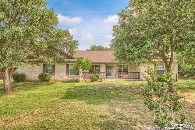 155 Country Gardens, La Vernia, TX 78121 (MLS #1537527) :: Concierge Realty of SA