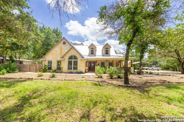 655 Live Oak Dr, Adkins, TX 78101 (MLS #1537536) :: The Lopez Group