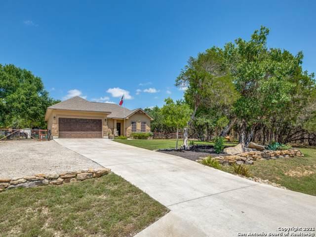 1886 Rocky Ridge Loop, Canyon Lake, TX 78133 (MLS #1538003) :: The Real Estate Jesus Team