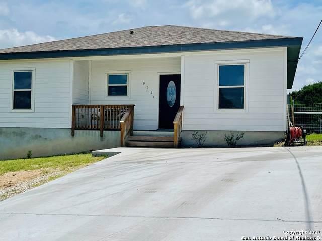 924 Scenic Hills Dr, Canyon Lake, TX 78133 (MLS #1538503) :: Bexar Team