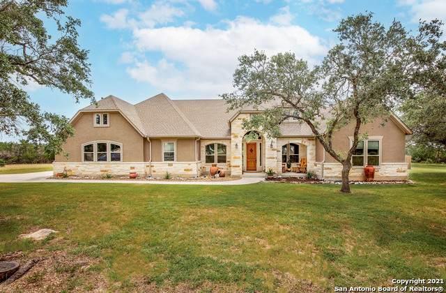 696 San Marcos Trail, New Braunfels, TX 78132 (MLS #1539005) :: Neal & Neal Team
