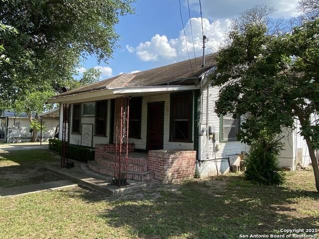 206 Hinton, Three Rivers, TX 78071 (MLS #1539374) :: Carter Fine Homes - Keller Williams Heritage